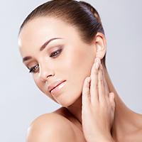 顔の脂肪吸引、ダウンタイムはどんな症状が出る?